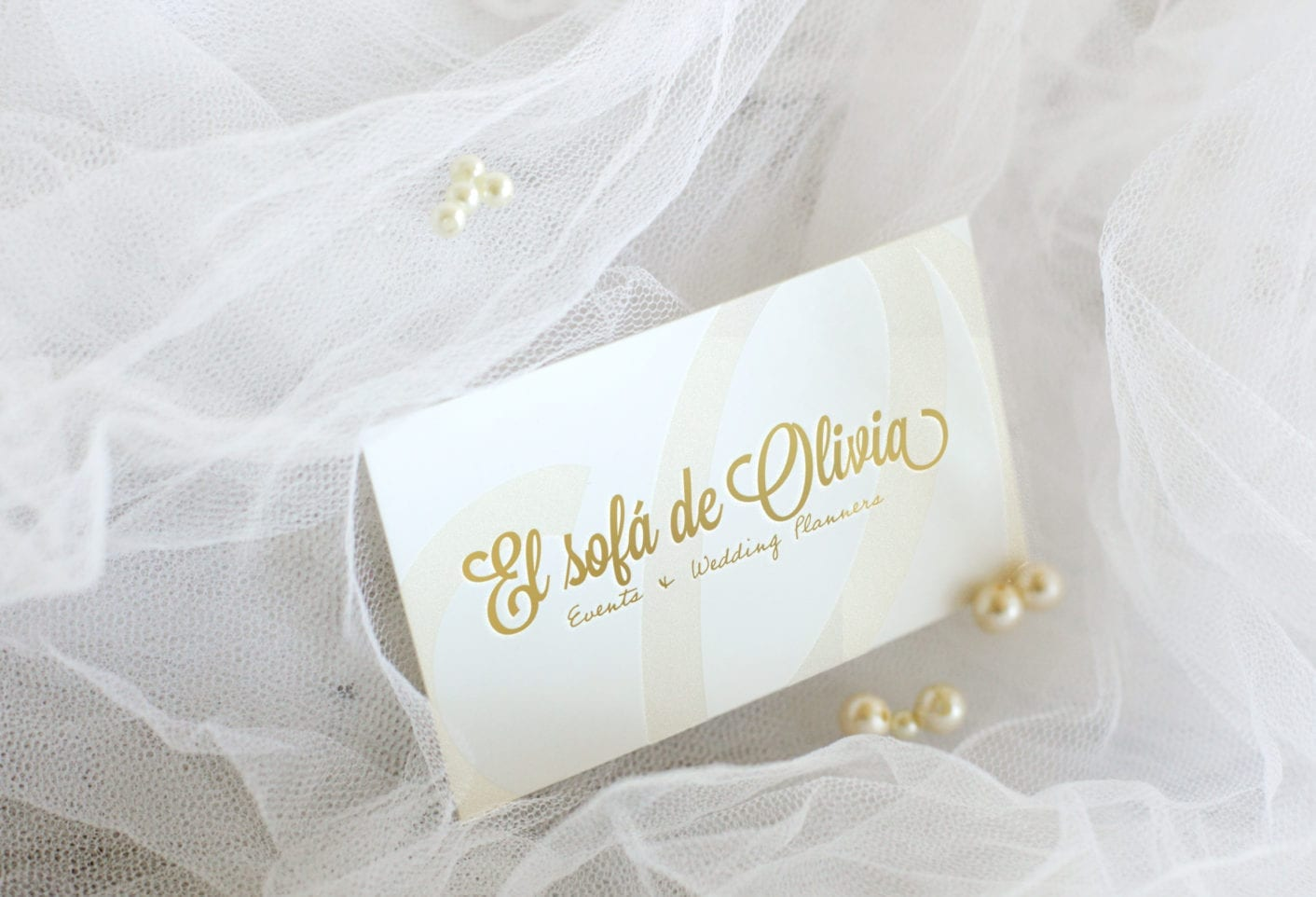 presentación-tarjeta-dorada-1